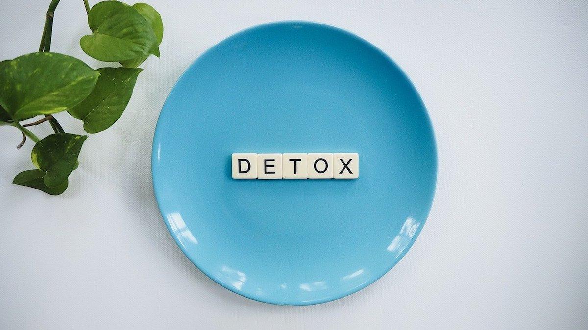 腸内環境を整えるにはデトックスをしよう【入れるよりまずは出す!