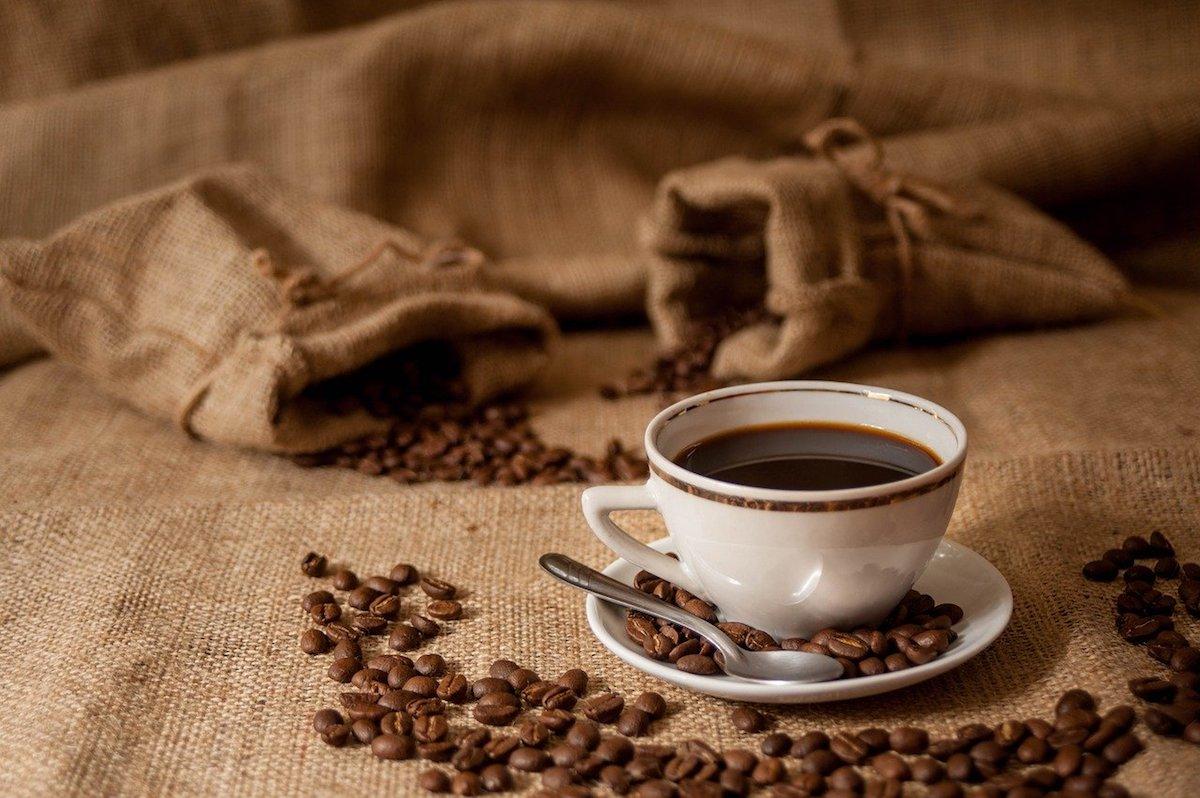 日本人はコーヒーを飲みすぎないほうがベター