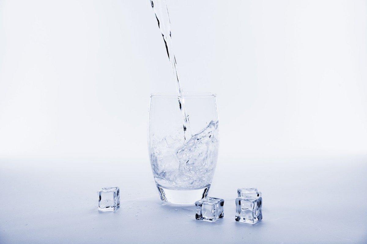 お水の飲み方で注意すること