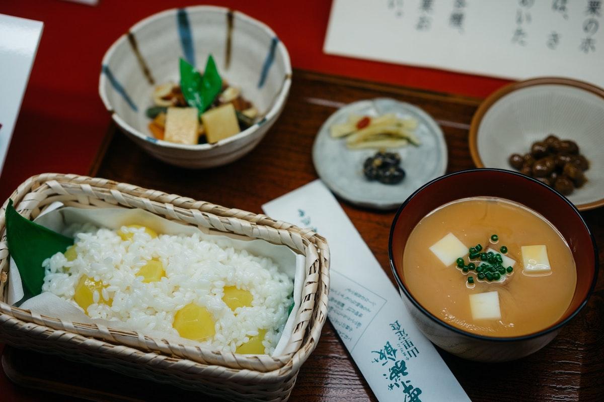 夕食の健康的な食べ方【ダイエットにも効果的!】