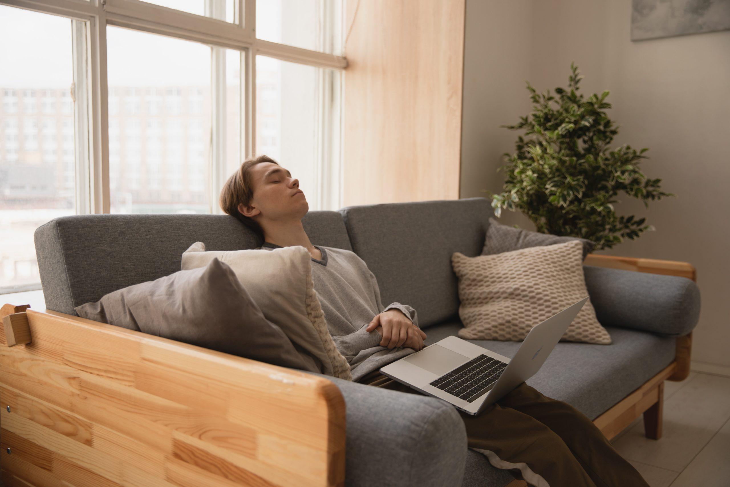 正しい昼寝は効果絶大【習慣にすれば午後のパフォーマンスがアップ】