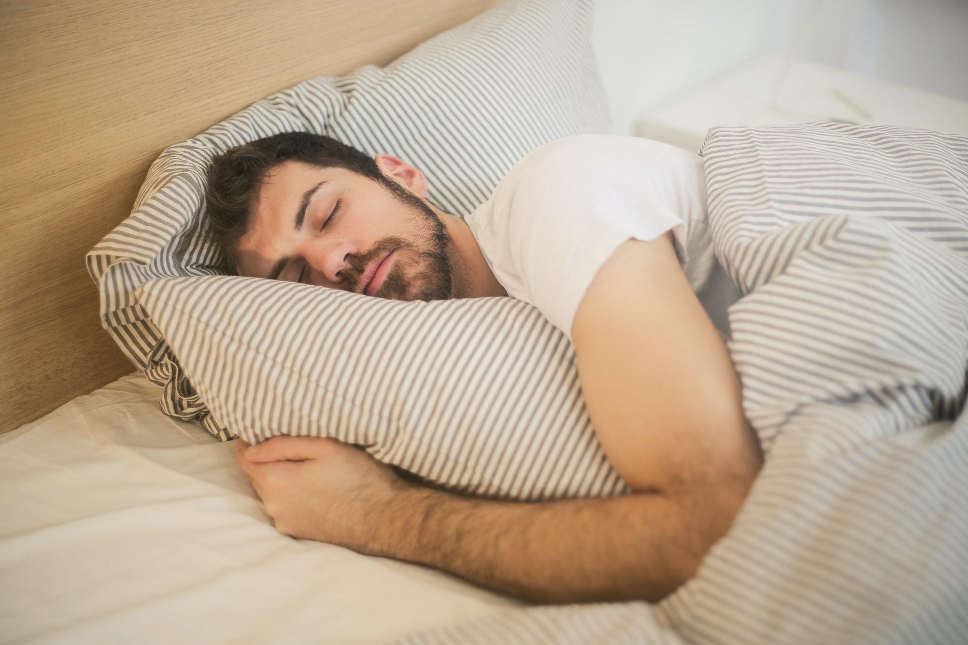 睡眠の質を高める7つの習慣【寝る前の行動が明日の一日を決める!】