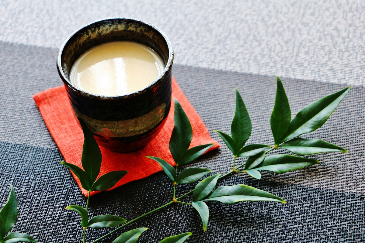 【米麹だけで超簡単】手作りの甘酒は栄養満点の発酵食品