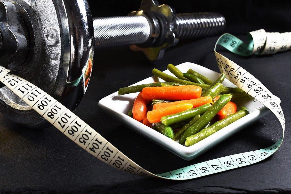 ダイエットは食事と運動の見直しどっちが重要?【バランスが大切!】