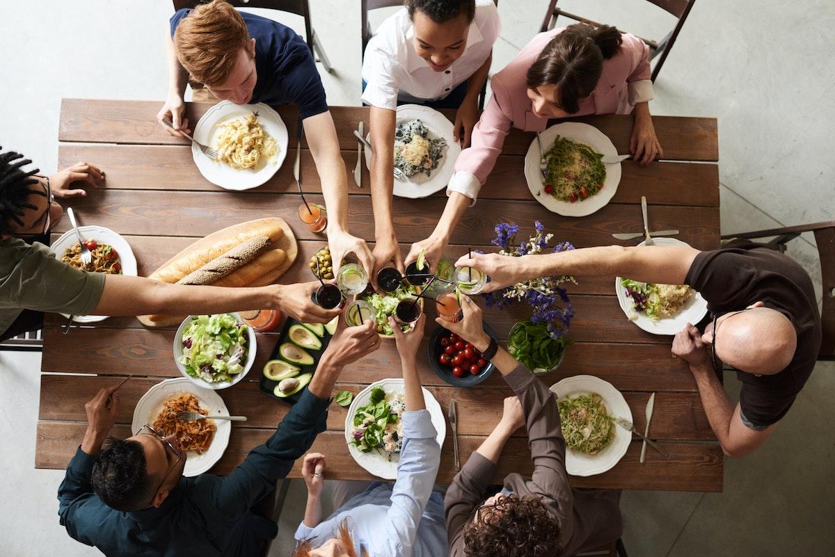 【共食のメリット】会話をしながらの楽しい食事は良いことだらけ