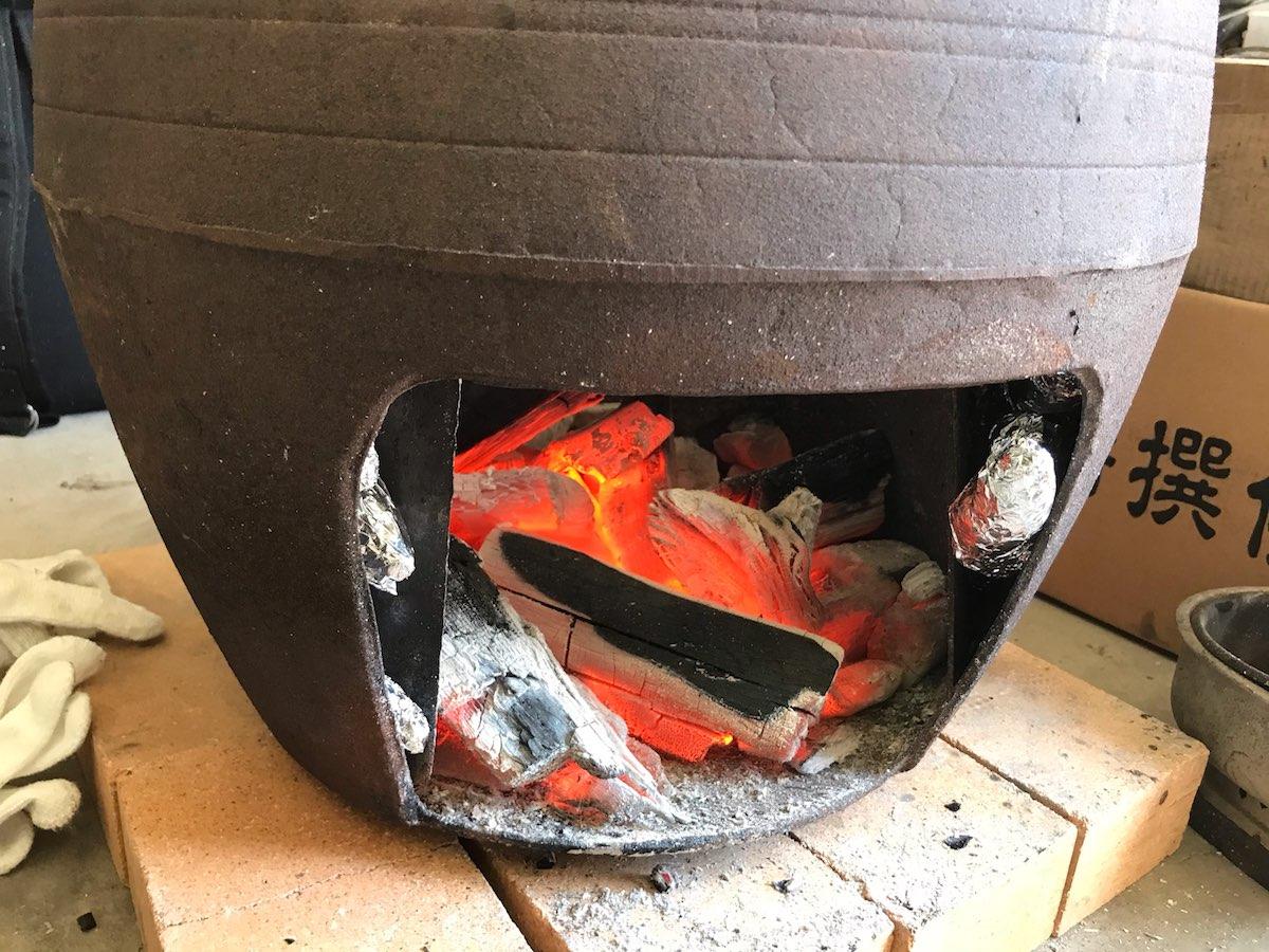 お昼には新米を鉄の羽釜で炊きました