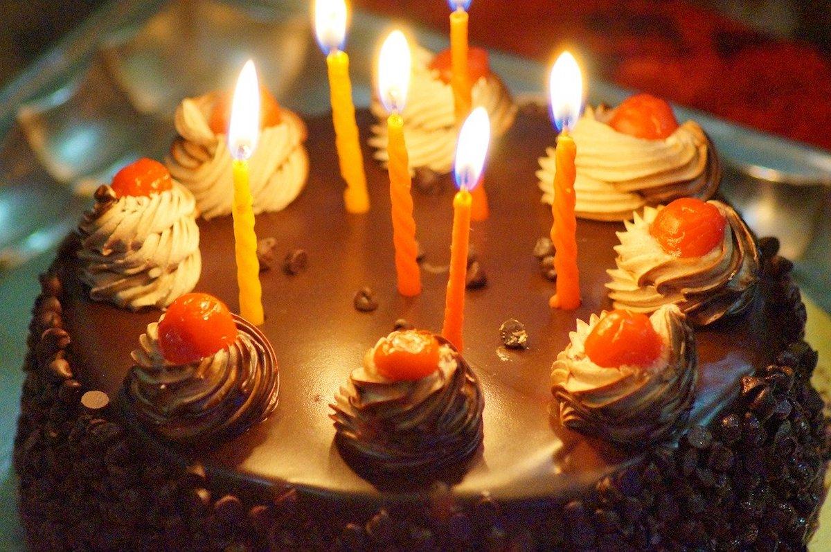 親の誕生日を祝うことは家族円満の秘訣【親の笑顔の深い意味とは】