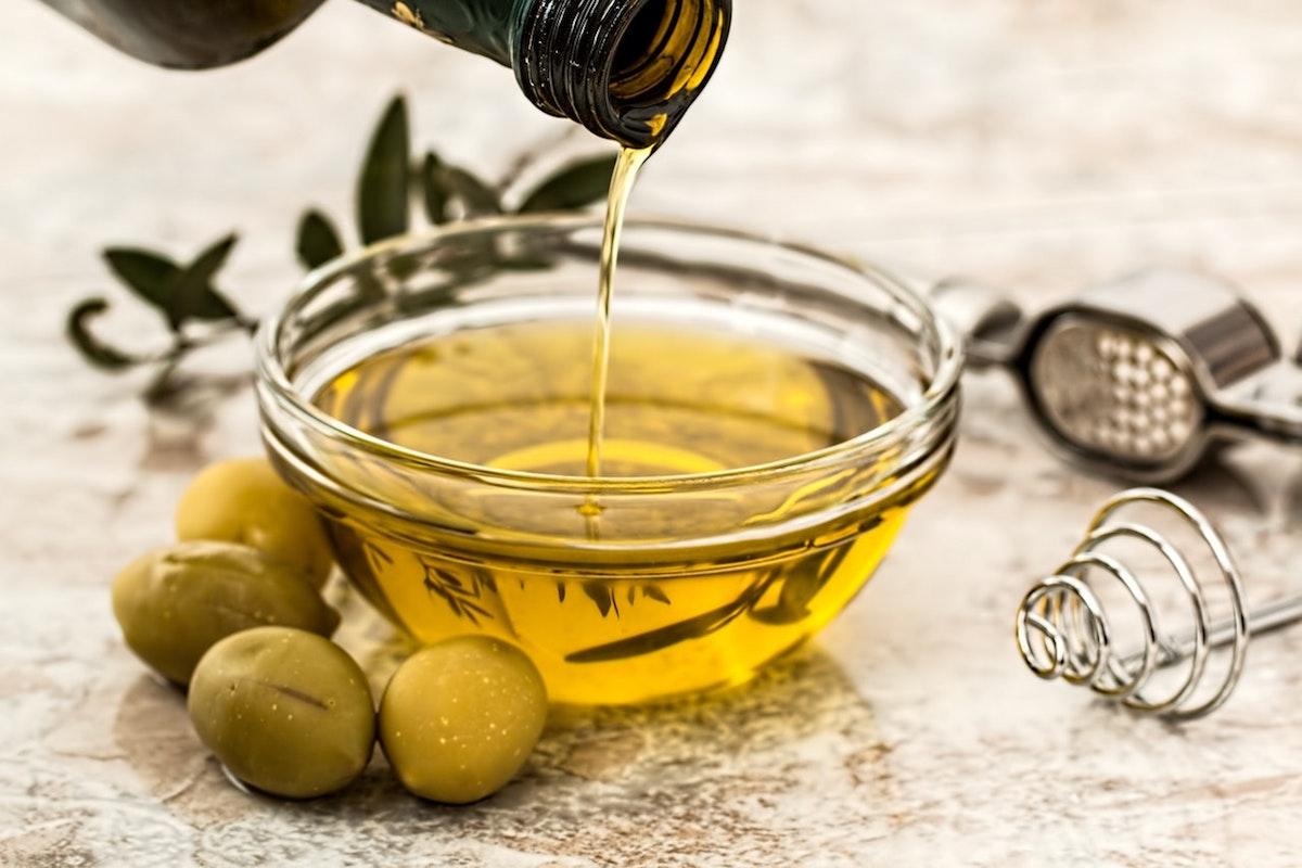 【正しい油の摂り方と選び方】本当に健康な人はをあえて油を摂らない?